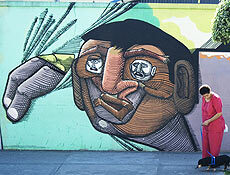 Grafite do artista Nunca, na esquina da rua Lavapés com a Justo Azambuja, na capital