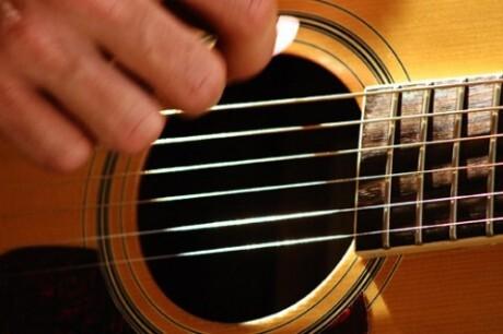Abdalla tocará violão erudito