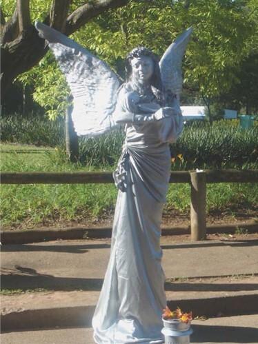 Estátua que vira gente ou gente que vira estátua?