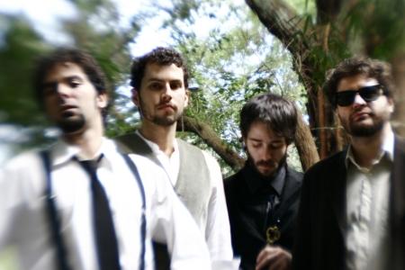 A banda Mama Cadela