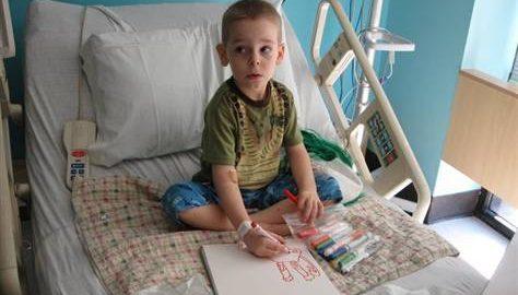 Menino de 5 anos paga o próprio tratamento de cancêr