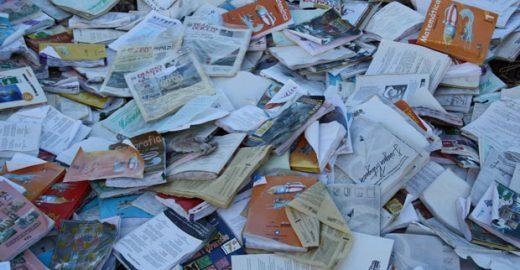Ajude a transformar papel reciclado em livro
