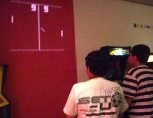 Alunos do Max aprendem através de jogos de videogame e do teatro
