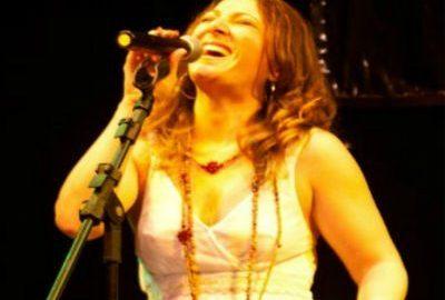 Paula Souto interpreta grandes clássicos do samba rock em show gratuito no Sesc Santana