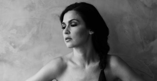 Marina de la Riva apresenta show do novo disco no Sesc Ipiranga