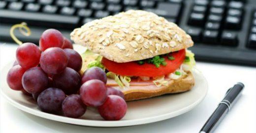 Empresa leva alimentos saudáveis a ambientes corporativos