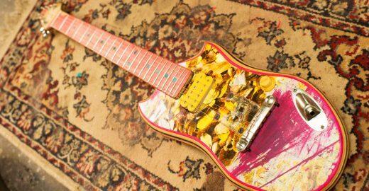 Argentino cria guitarras com boards de skate