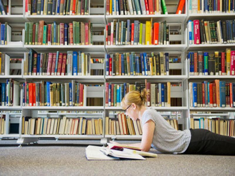 http://catracalivre.com.br/wp-content/uploads/2013/06/livros-leitura-lista.jpg