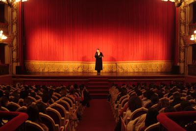 SP Escola de Teatro oferece cinco cursos gratuitos em São Paulo