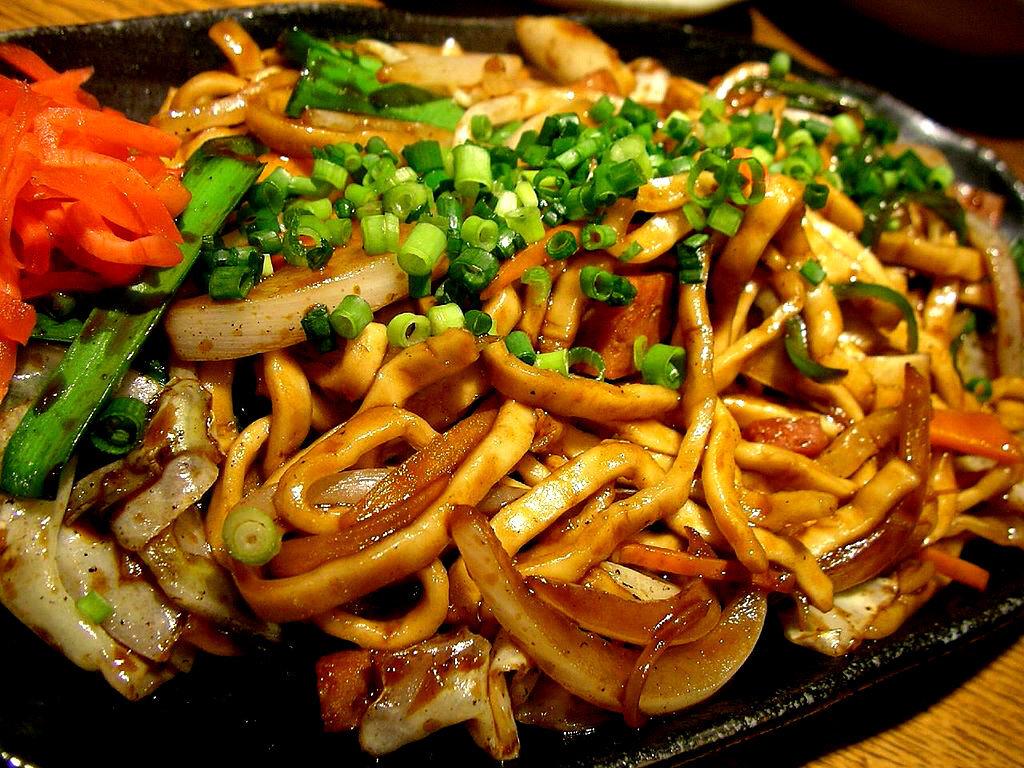 House of Food BH recebe chef para preparar yakissobas nesta quarta, dia 17