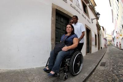Salvador inaugura rota acessível para pessoas com deficiência no Centro Histórico
