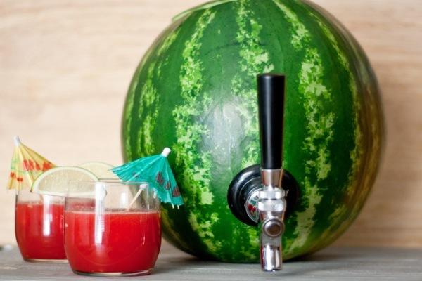 Super Como transformar uma melancia em um recipiente para drinques IH67