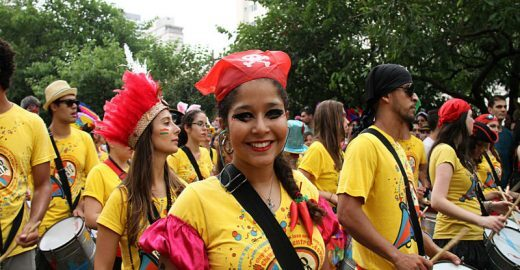 Confira as fotos dos desfiles do Bangalafumenga e Sargento Pimenta