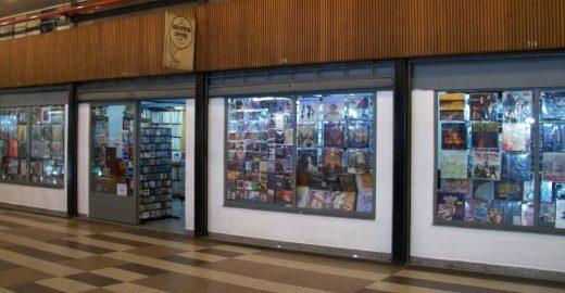 Loja mais antiga da Galeria do Rock tem mais de 100 mil discos de vinil
