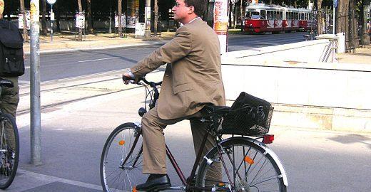 Projeto propõe cruzamentos protegidos para ciclistas