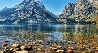 O Jenny Lake, no Grand Teton National Park, no Estado americano do Wyoming