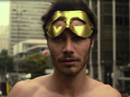 André Bankoff - cena do filme Do Lado de Fora/reprodução