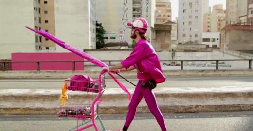 Minidocumentários sobre ocupação do espaço urbano são exibidos gratuitamente na rua