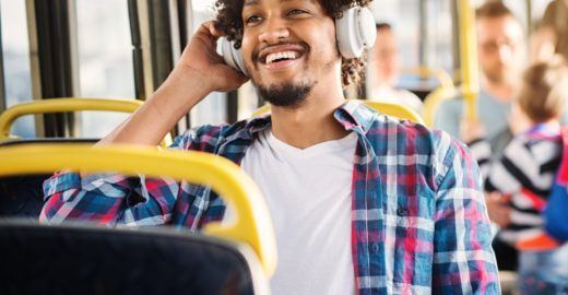 Audiolivros gratuitos: onde e como baixar os famosos 'audiobooks'