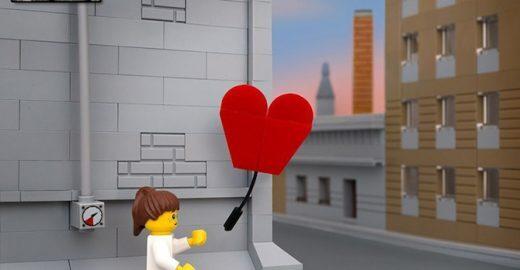 Fotógrafo recria obras de Banksy usando LEGO