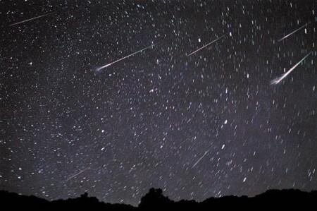 Chuva de meteoros nos céus brasileiros — Delta Aquarídeos