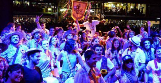 Banga e Fogo & Paixão comemoram a breguice em São Paulo