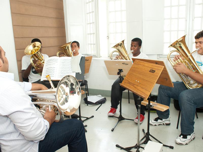 Guri abre inscrições para os cursos de música na capital e Grande ... - Catraca Livre