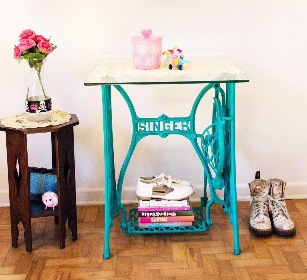 Fa a uma mesa com m quina de costura antiga - Mesas para costura ...