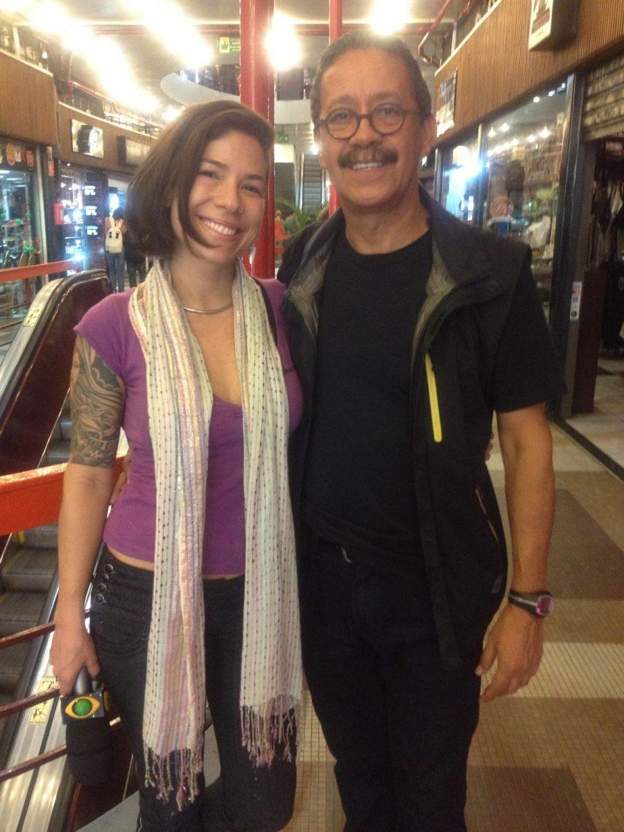 Toninho e Vivi Seixas, filha de Raul Seixas, na comemoração de 50 anos da Galeria