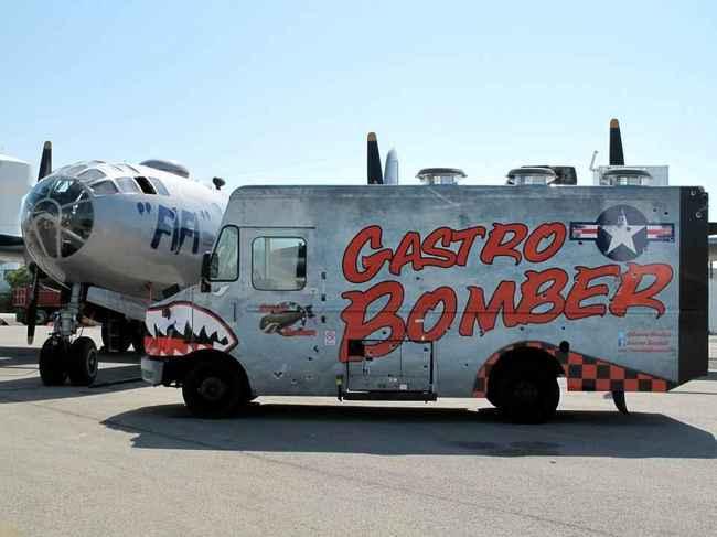 Inspirado em um avião da Segunda Guerra Mundial, o 'Gatro Bomber 'serve tradicionais receitas da picante cozinha texana
