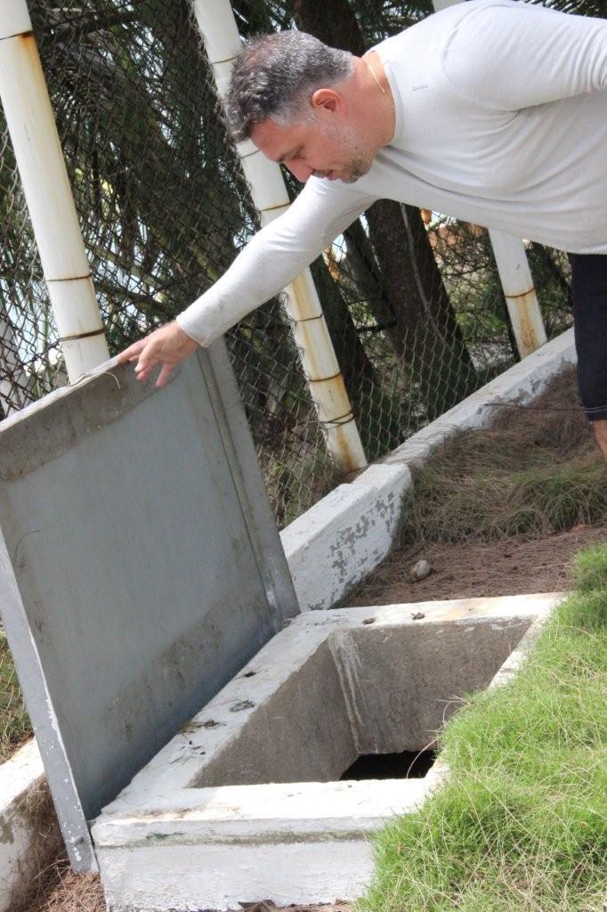 Uma das caixas de água da ilha - Foto Ana Paula Oliva