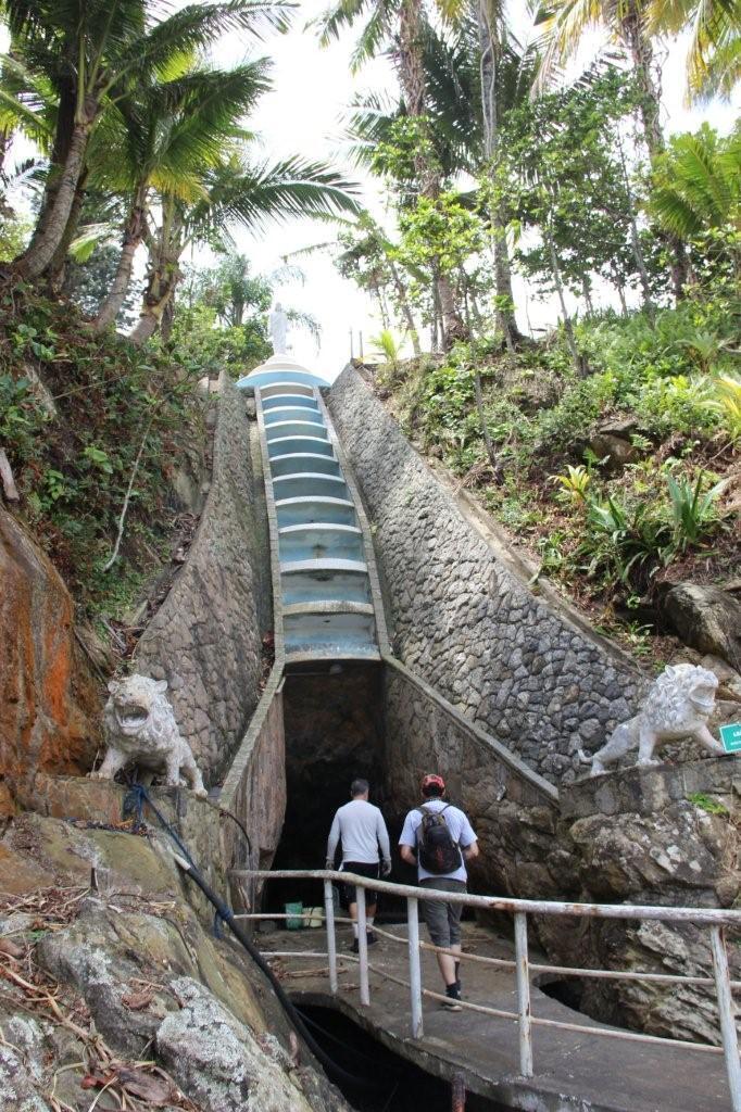 A cascata é o principal local de captação de água da chuva - Foto Ana Paula Oliva