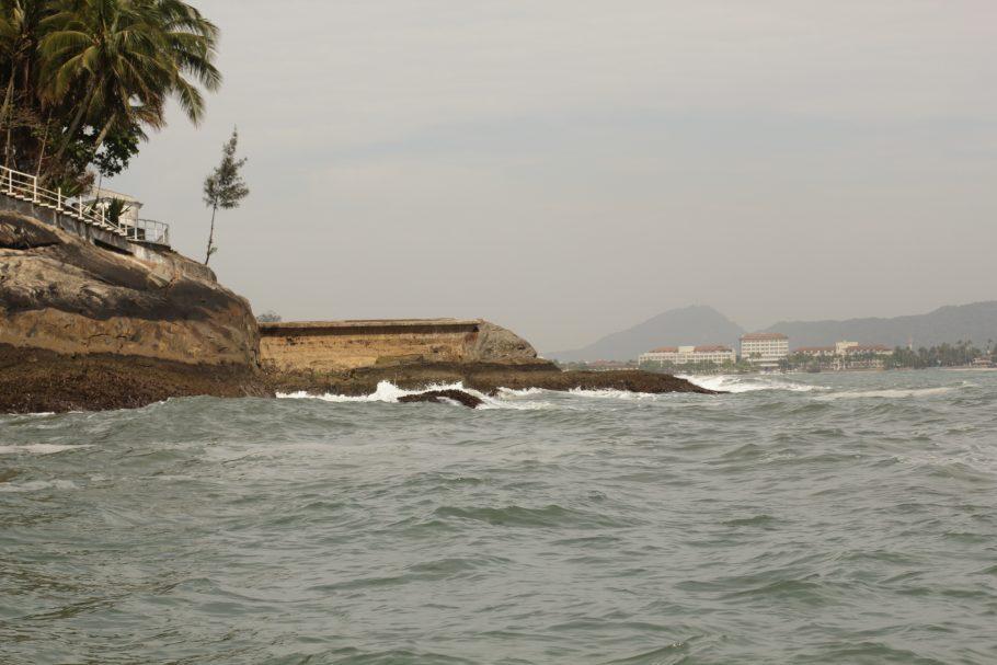 A condição do mar pode mudar rapidamente, tornando difícil o acesso - Foto: Victor Sousa