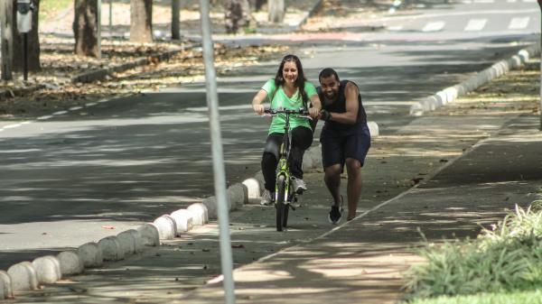 Ciclista novata, Márcia se prepara para comprar sua primeira magrela