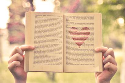 """""""Bibliotaxi"""": projeto empresta livro a passageiros, participe"""