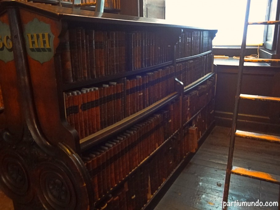 long_room_-_trinity_college_4