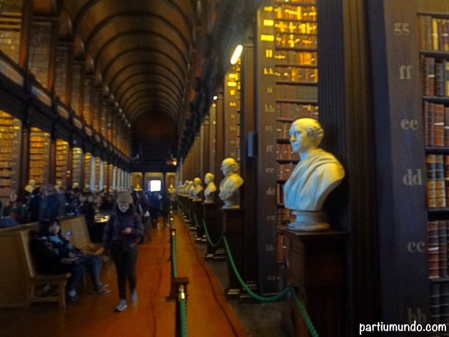 long_room_-_trinity_college_6