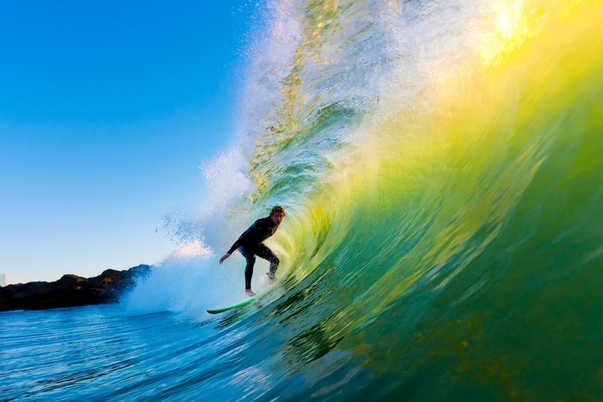 As 10 melhores praias para surfar no Brasil