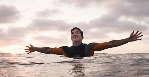 Assista online à final do WCT; Gabriel Medina pode se tornar o primeiro brasileiro campeão mundial de surfe