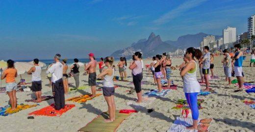 Domingo é dia de Yoga em Ipanema