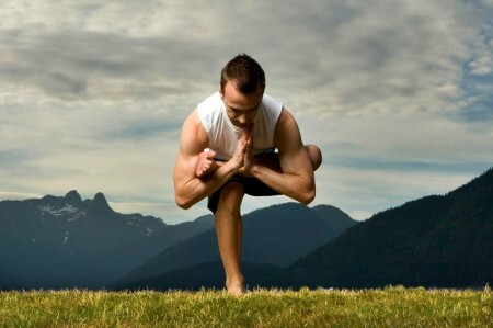 Hatha Yoga (imagem meramente ilustrativa)