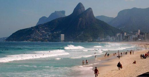 Praia de Copacabana tem atividades físicas gratuitas