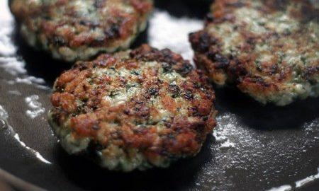 Gostoso e mais leve: aprenda como fazer hambúrguer de frango