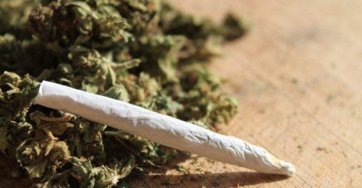 Marcha da Maconha pede legalização da erva