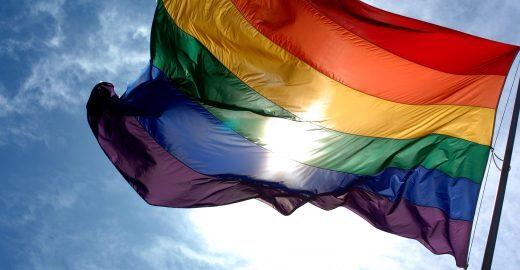 Centro de SP recebe a primeira Unidade Móvel de Cidadania LGBT