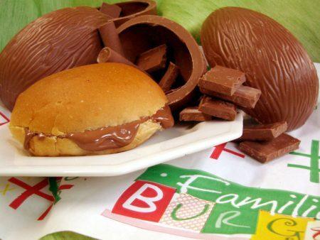 Pão com Ovo de Páscoa do Família Burger (divulgação)