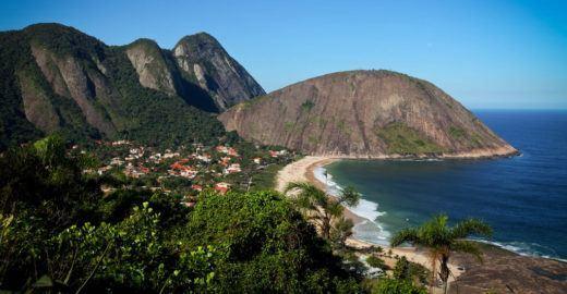 6 parques estaduais com trilhas, cachoeiras e praias no Rio