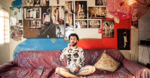 Fotos das casas de jovens brasileiros que moram sozinhos