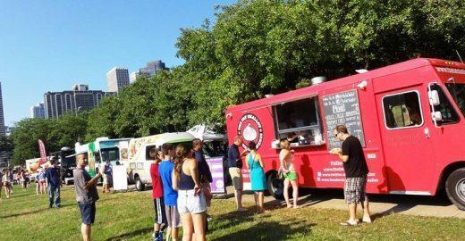 SP dos food trucks: comidas de rua invadem a praça Heróis da FEB