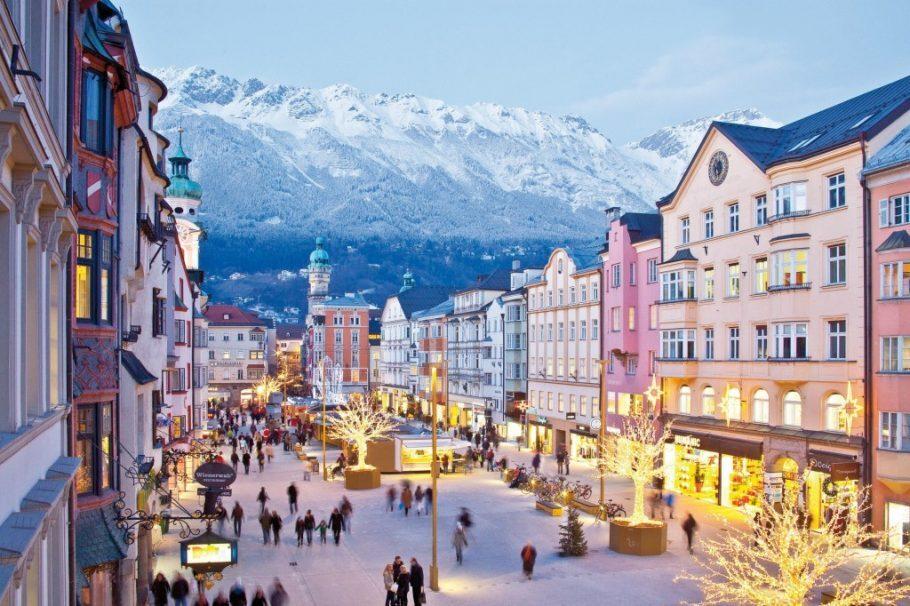 Vista da cidade de Innsbruck, a capital do Tirol